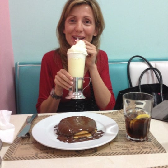 Photo taken at Peggy Sue's by Juan pablo S. on 4/14/2012