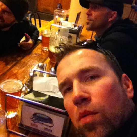 Photo taken at Lakeside Pizza, Sports Bar & Nightclub by Clint D. on 3/8/2012