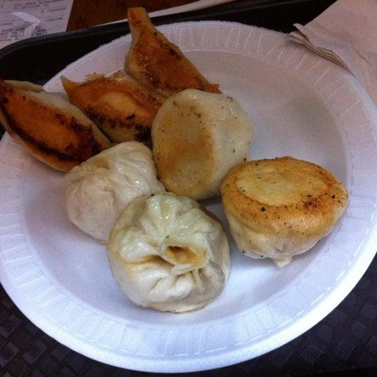 Photo taken at Vanessa's Dumpling House by J.P. R. on 9/26/2011