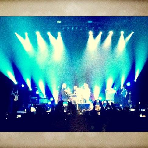 Photo taken at Heineken Music Hall by Gideon B. on 6/3/2012