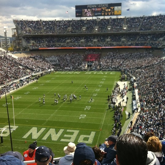 Photo taken at Beaver Stadium by Julie B. on 10/15/2011
