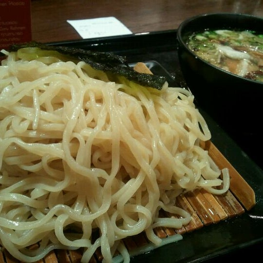 Photo taken at Chabuton Ramen by !   Pheng   ! on 1/15/2012