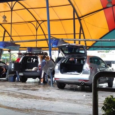 Photo taken at Flash Autolavado by Karla on 7/27/2012