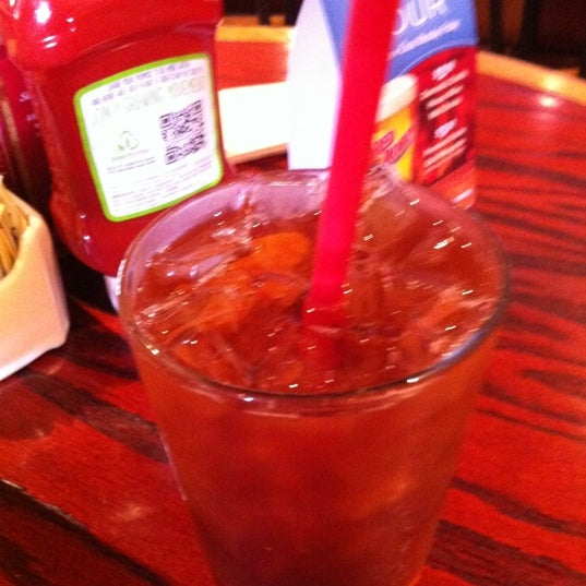 Photo taken at Red Robin Gourmet Burgers by Joey H. on 9/2/2012