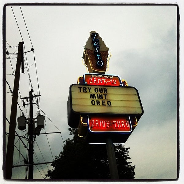 Photo taken at Zesto Drive-Ins by Amanda H. on 4/21/2012
