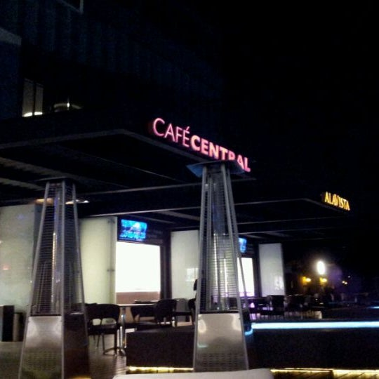 Photo taken at Cinemex by Daniel G. on 11/26/2011