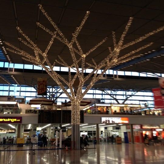 Photo taken at Terminal 3 by Juergen on 12/5/2011