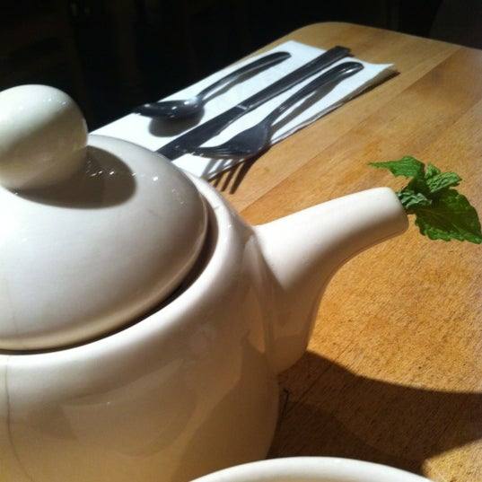 Photo taken at Le Pain Quotidien by Sarah W. on 11/13/2011
