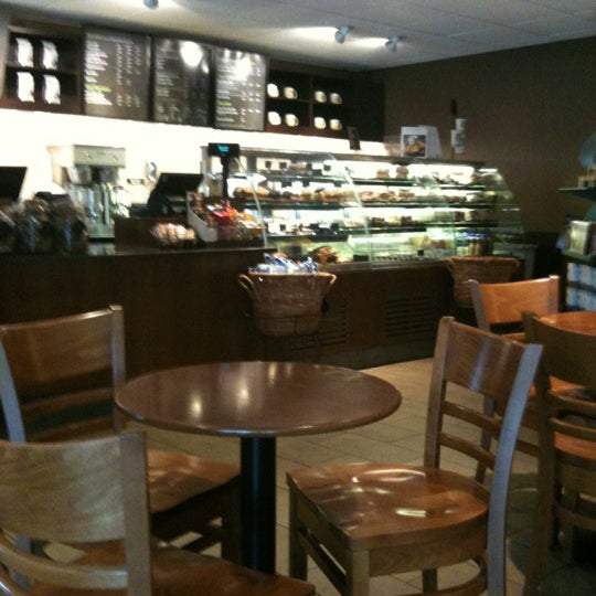 Photo taken at Starbucks by Peter D. on 7/3/2012