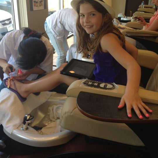 Photo taken at Ladue Nails & Spa by Anne G. on 5/13/2012