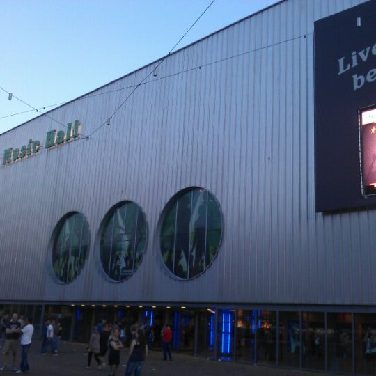 Photo taken at Heineken Music Hall by Leo S. on 9/9/2012