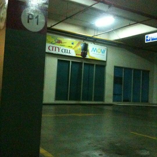 Photo taken at Bandung Trade Centre - BTC Fashion Mall by ivan k. on 8/28/2012