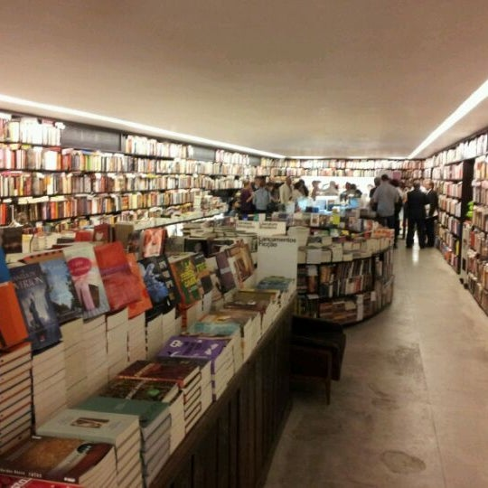 Photo taken at Livraria da Vila by Denis C. on 11/29/2011