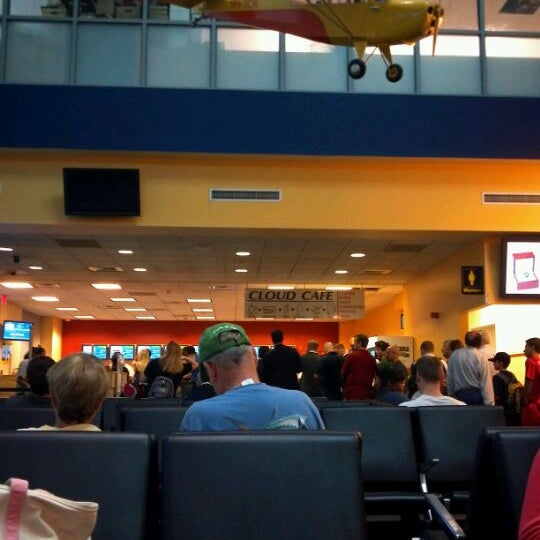 Photo taken at Westchester County Airport (HPN) by Amanda H. on 8/18/2011