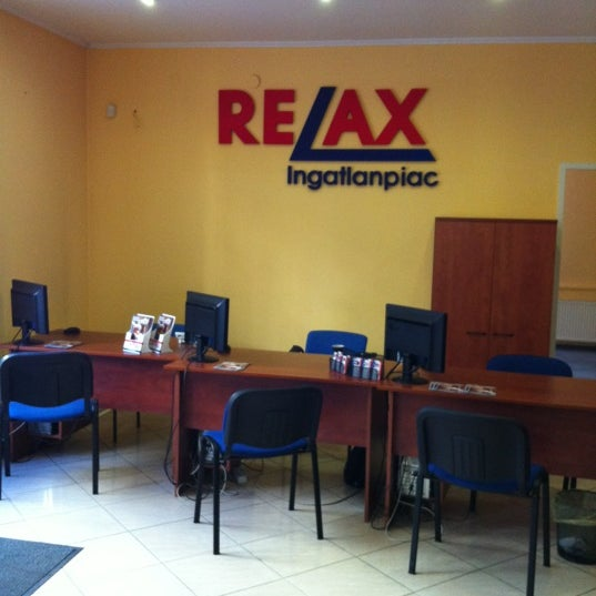 Photo taken at RELAX Ingatlanpiac, Szeged by Attila R. on 3/7/2012