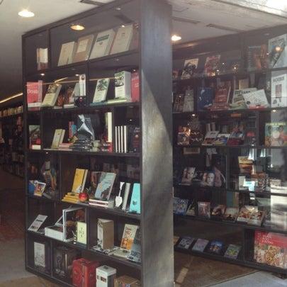 Photo taken at Livraria da Vila by Hubert A. on 8/7/2012