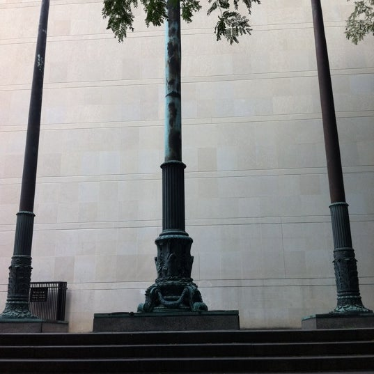 Photo taken at Sculpture Garden - Art Institute of Chicago by Neil H. on 9/12/2011