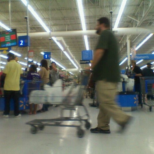 Photo taken at Walmart Supercenter by Dion W. on 11/24/2011