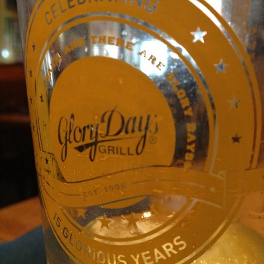 Photo taken at Glory Days Grill by Aaron B. on 4/12/2012