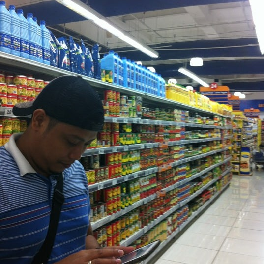 Photo taken at Shopwise by Jennifer on 7/21/2012