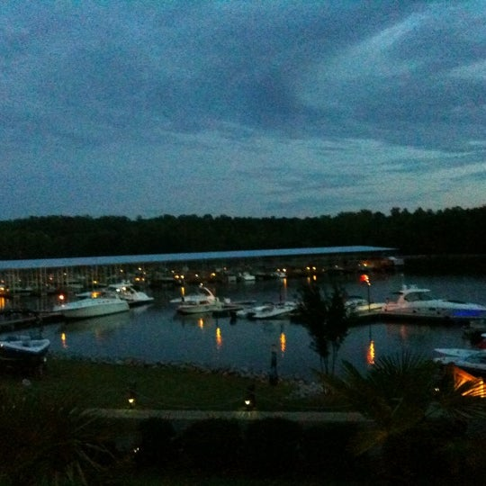 Photo taken at Fish Tales Lakeside Grille by Kym S. on 7/31/2011