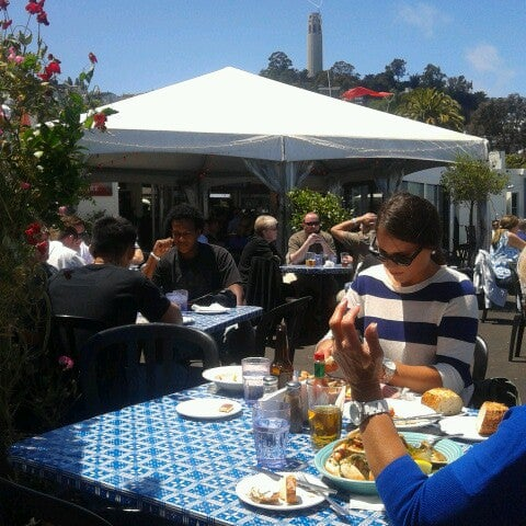 Photo taken at Pier 23 Cafe by Johan J. on 7/19/2012