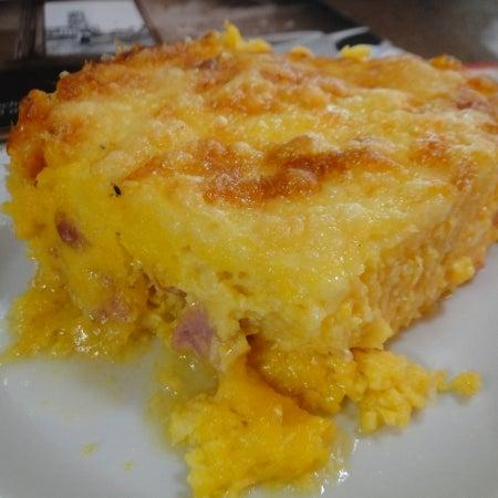 Peça o Maria Taquara: Bolo salgado de milho com queijo e linguiça apimentada.