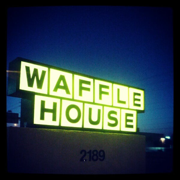 Photo taken at Waffle House by Thomas T. on 6/15/2012