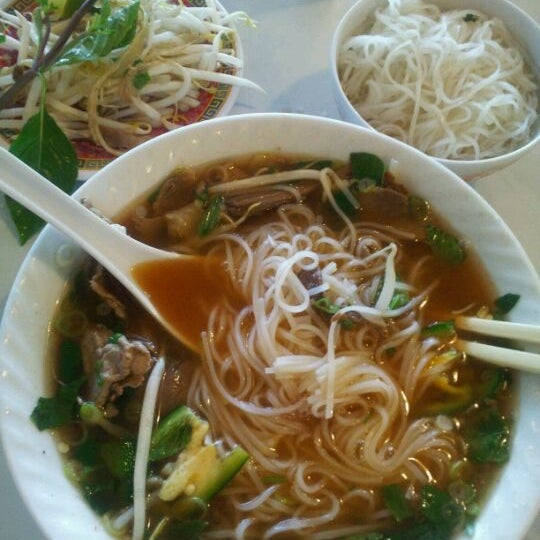 Photo taken at Pho 75 by Rob D. on 9/7/2011
