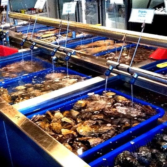 Taylor shellfish farms fish market in capitol hill for Taylor fish farm