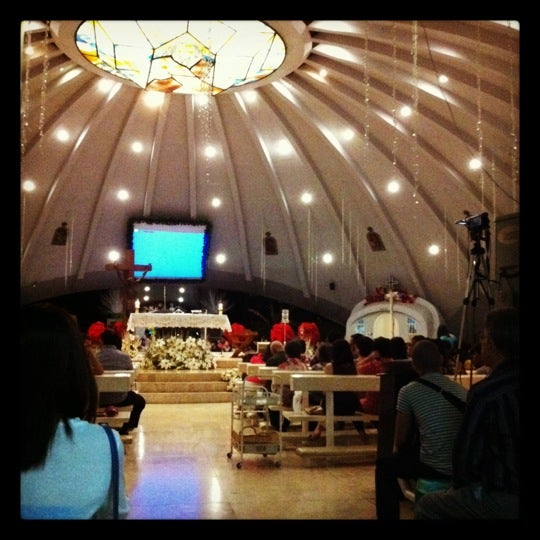 Photo taken at Sto. Niño de Paz Community Chapel by Anna T. on 12/24/2011