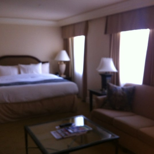 Photo taken at Park Hyatt Toronto by Layla B. on 4/21/2012