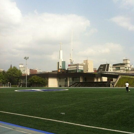 Photo taken at 현대고등학교 by JoonCheol Y. on 6/25/2012