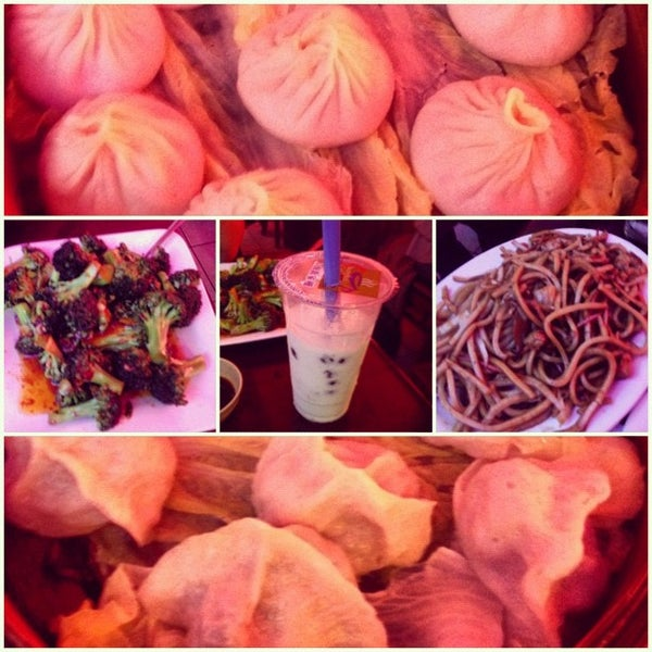 Photo taken at Shanghai Café Deluxe by Stephanie C. on 3/3/2012