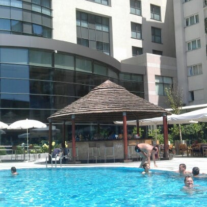 Photo taken at Radisson Blu by Dex V. on 7/4/2012