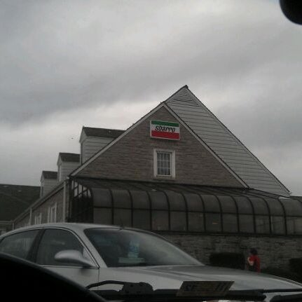 Photo taken at North Midway Service Plaza by Hendy S. on 11/28/2011