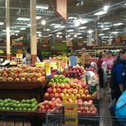 king soopers marketplace grocery store in meadowglen