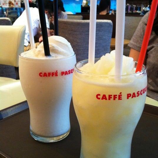 Photo taken at CAFFE PASCUCCI by boranboran 9. on 8/11/2012