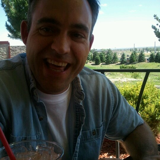 Photo taken at Red Robin Gourmet Burgers by Diana M. on 6/17/2012