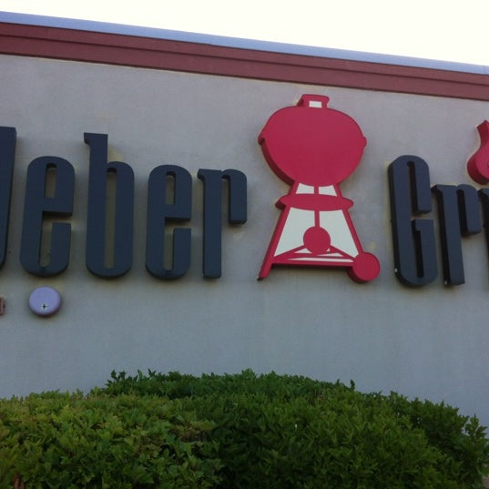 Photo taken at Weber Grill Restaurant by Joe B. on 6/17/2012