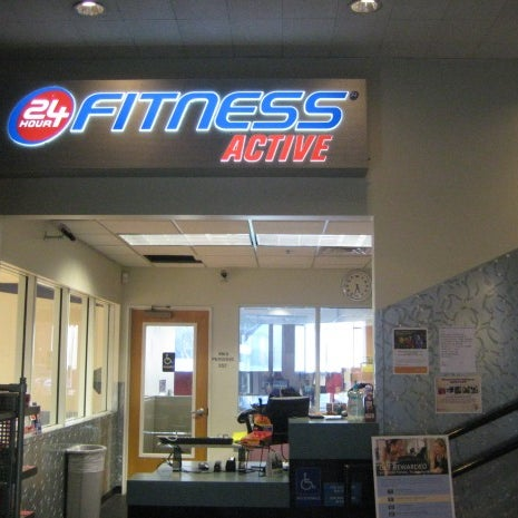 Photo taken at 24 Hour Fitness by 24 Hour F. on 1/26/2012