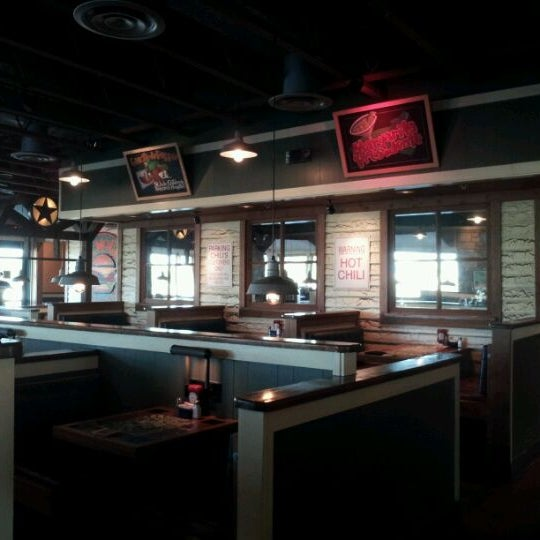 Photo taken at Chili's Grill & Bar by Patsy T. on 4/2/2012