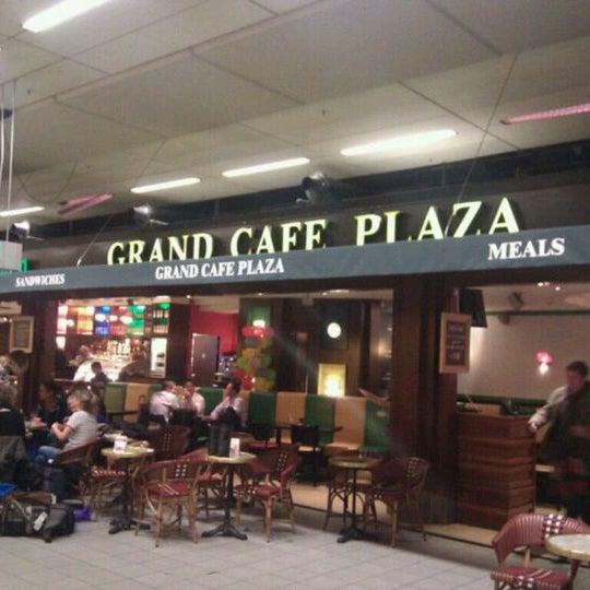 Photo taken at Grand Café Plaza by Sergey B. on 4/17/2012