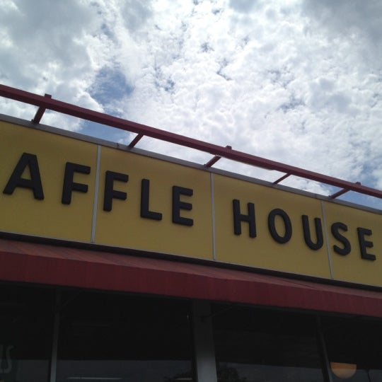 Photo taken at Waffle House by Michael S. on 8/6/2012
