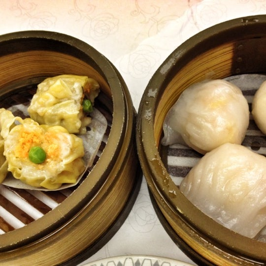Photo taken at Canton Dim Sum & Seafood Restaurant by Arno G. on 7/22/2012