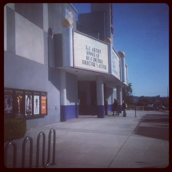 regal movie theater 12