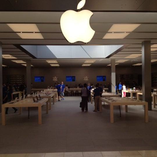 Photo taken at Apple Store, Bellevue Square by Lawyer on 9/6/2012