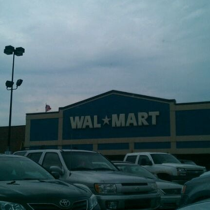 Photo taken at Walmart by 13 B. on 5/15/2012