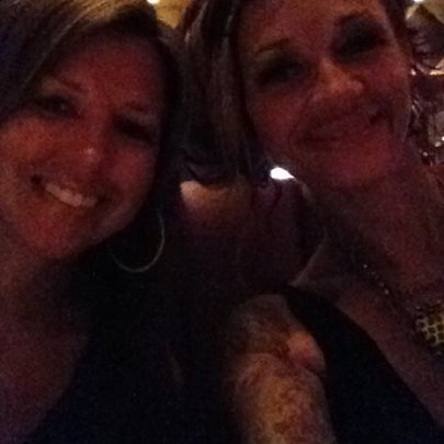 Photo taken at Fleming's Prime Steakhouse & Wine Bar by Ozzy on 8/11/2012