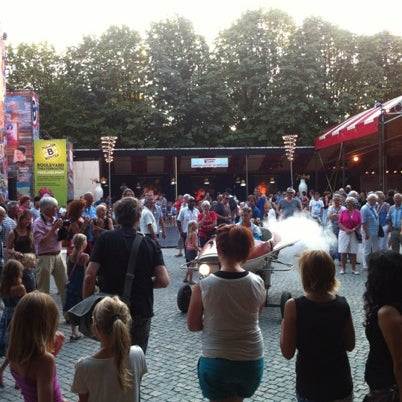 Photo taken at Festivalplein Theaterfestival Boulevard by domenico w. on 8/12/2012